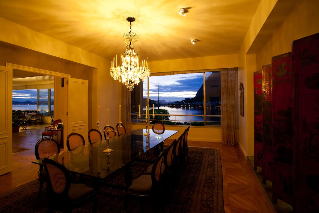 Sala de Jantar vista Pão de Açúcar e Baia da Guanabara