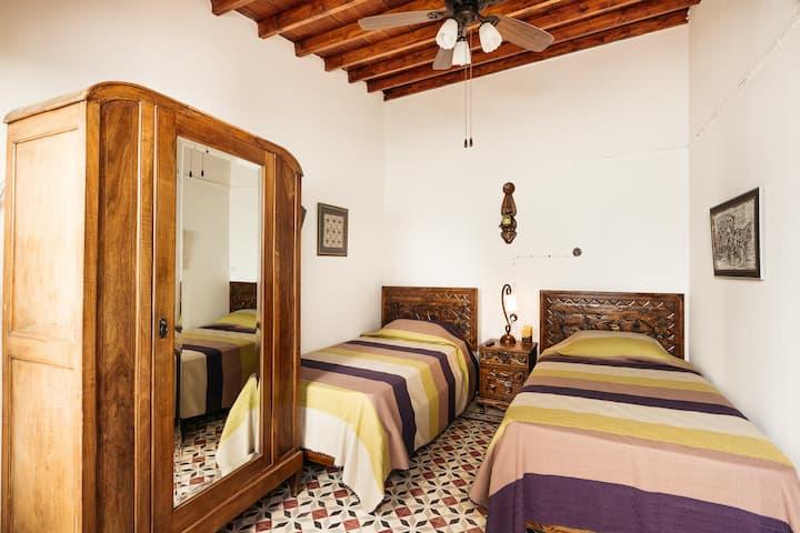 GUL HANIM HOUSE BUTIQUE HOTEL YELLOW ROSE ROOM