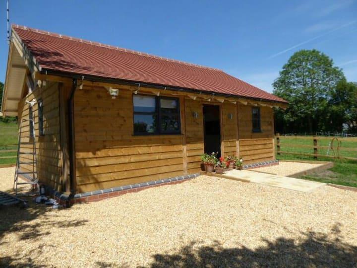Abbotsbarn-Luxury barn conversion!