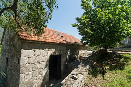 Apartment Nikola enjoy in nature. Top of the hill. - Kokorići - Talo