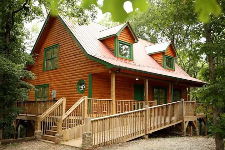Gorgeous Wheelchair Accessible Cabin - Cleveland - Annat