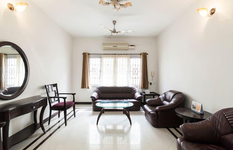 Posh 2bedrooms near Shankara Nethralaya - Chennai - Appartement