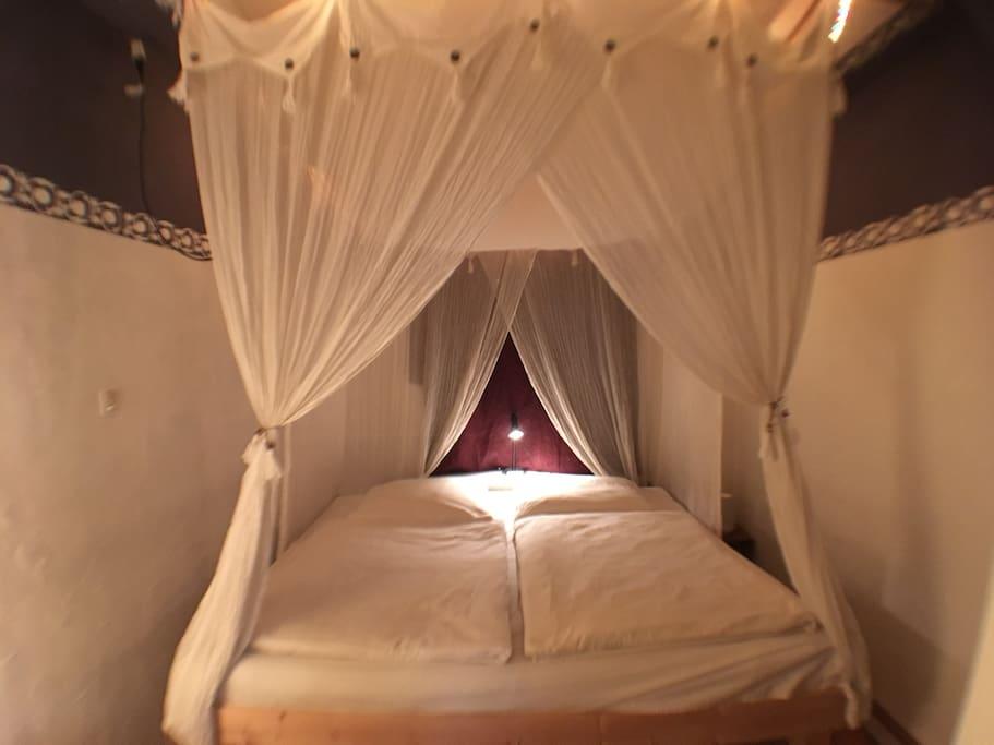 Schlafzimmer 1 / Doppelbett