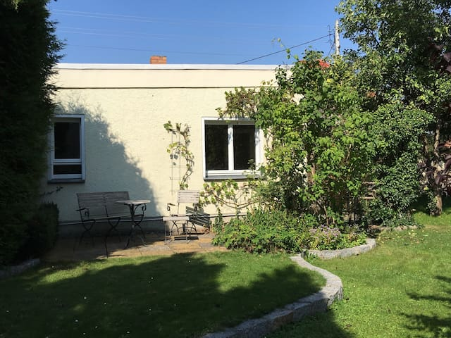 Ferienhaus, Wochenpreis anfragen! - Dresden - Bungalow