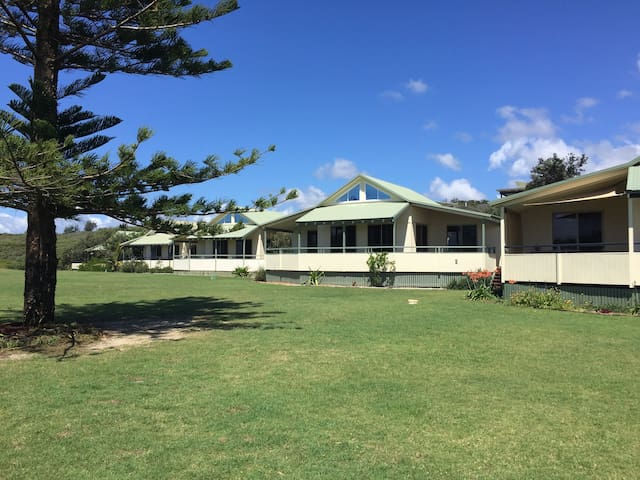 Beachfront Holiday Home - Fraser Island