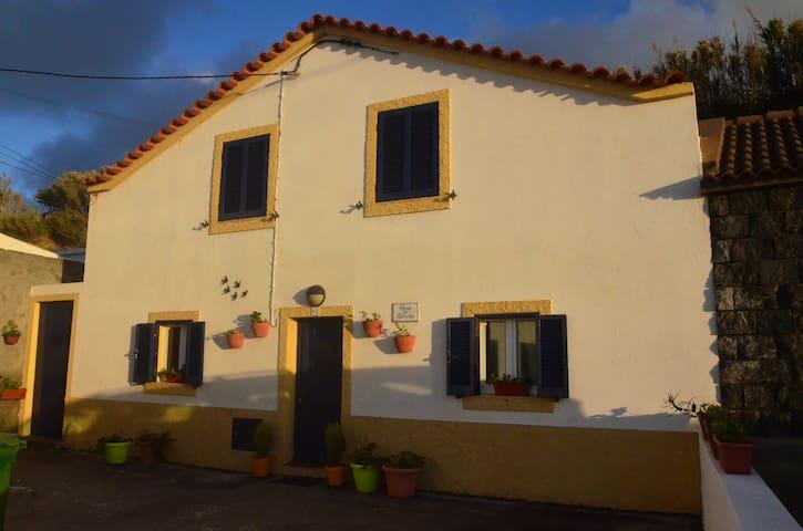 Mosteiros Beach House II -free WIFI