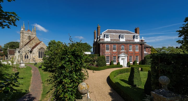 EAST SUSSEX - Former Vicarage with stunning garden