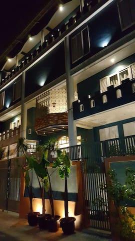 PAVILJOEN55 _ Room up to 8 people - Kebayoran Lama - Leilighet