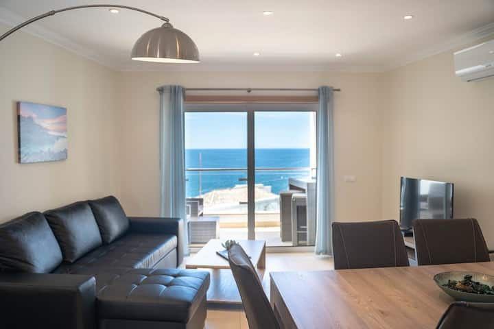 Luxury apartment with sea view in Carvoeiro centre