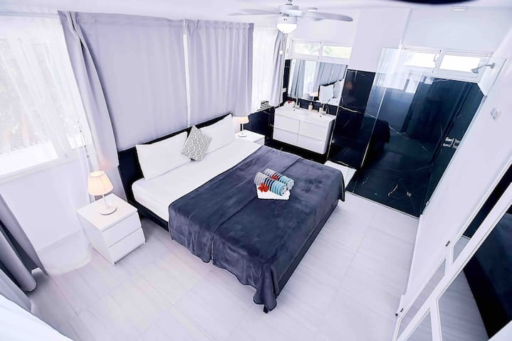 """Miguel Alfonso  said:""""Excellent location and very affordable price! To stay on the budget for an amazing vacation, this is definitively your place"""""""