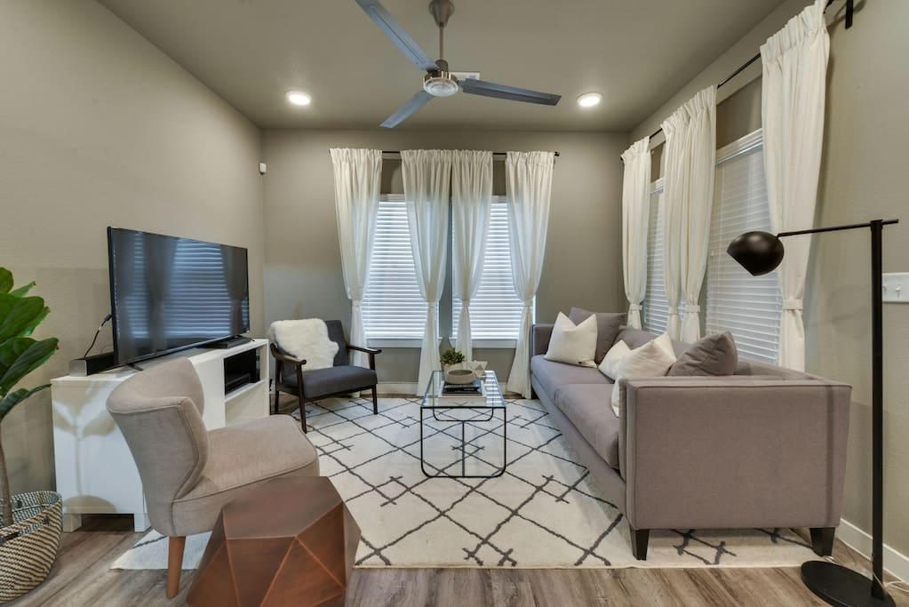 Cozy living area! Great space for catching up or watching your favorite movie!