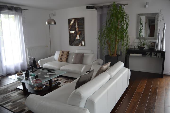 110m² - Esprit Loft, Design & Epuré - Chantepie - Apartament