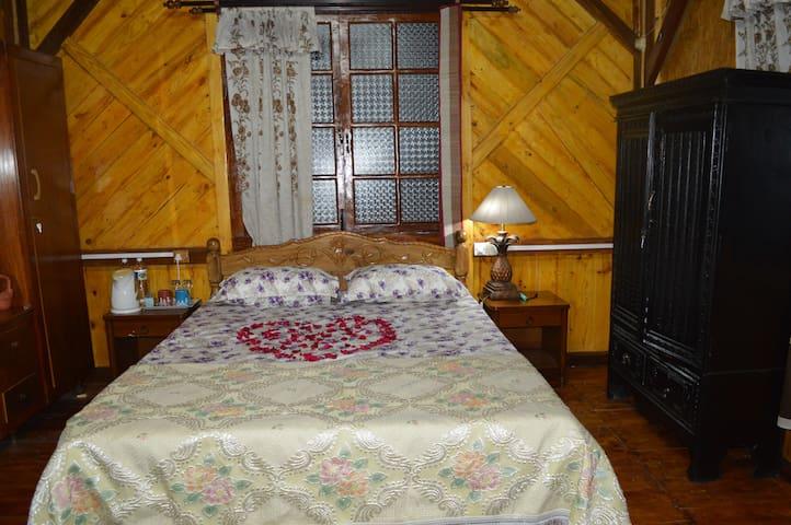 A - Chinchinim - Bed & Breakfast