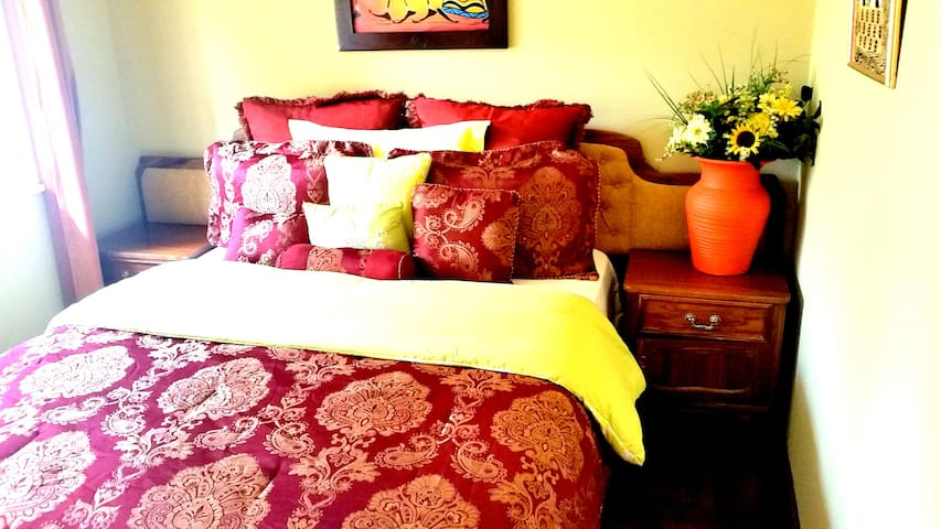Muzhanje QN Suite @MushaindoroZIM - Harare - Bed & Breakfast