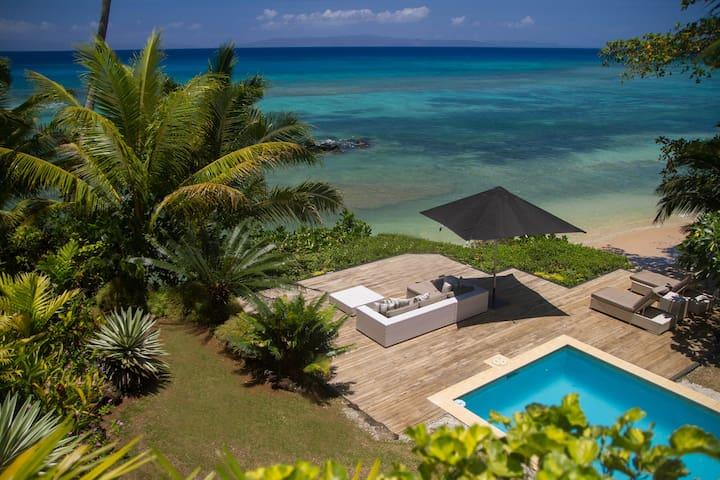 Beach Villa pool and deck