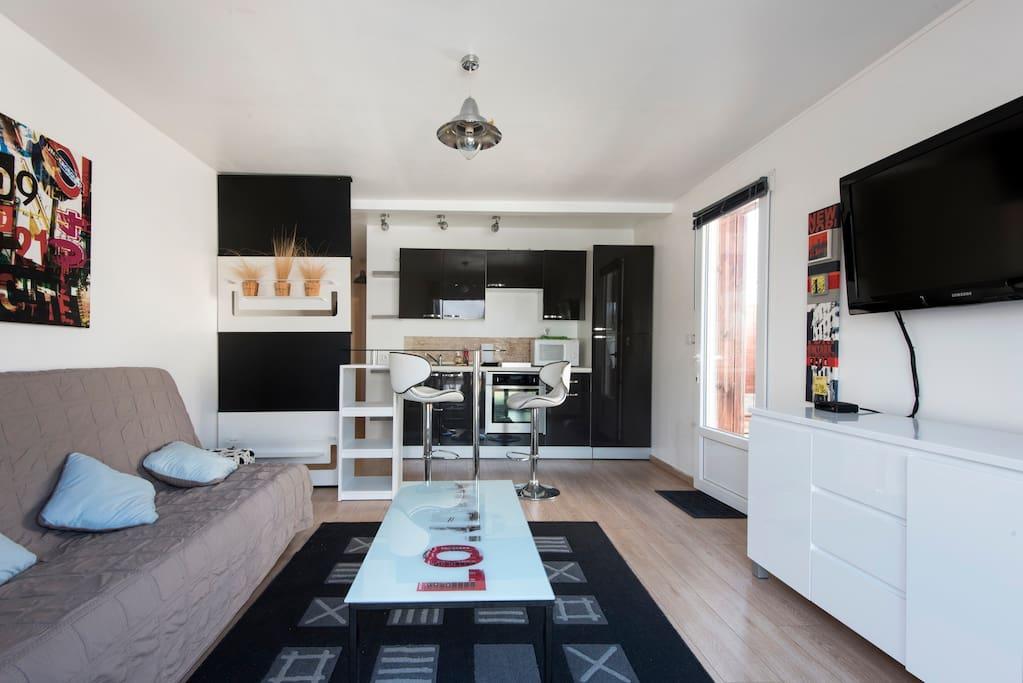 maison avec cour proche plage et la rochelle maisons louer saint vivien aquitaine. Black Bedroom Furniture Sets. Home Design Ideas