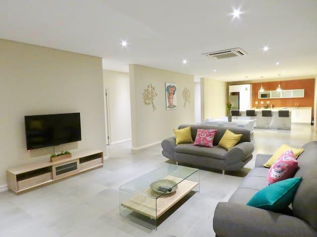 Ezulwini Executive Apartments (3 Bedroom Apt)