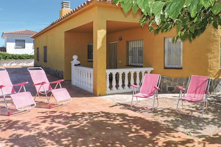 Holiday cottage with 3 bedrooms on 98m² in Miami Playa