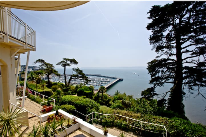 Panoramic Sea Views, beautiful Family location - Torquay - Servicelägenhet