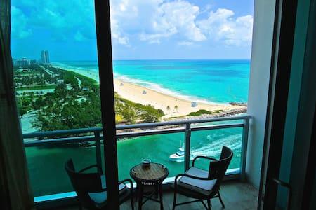 Ritz Carlton Bal Harbour 2-Bedroom Oceanfront 5* - Bal Harbour - Apartemen
