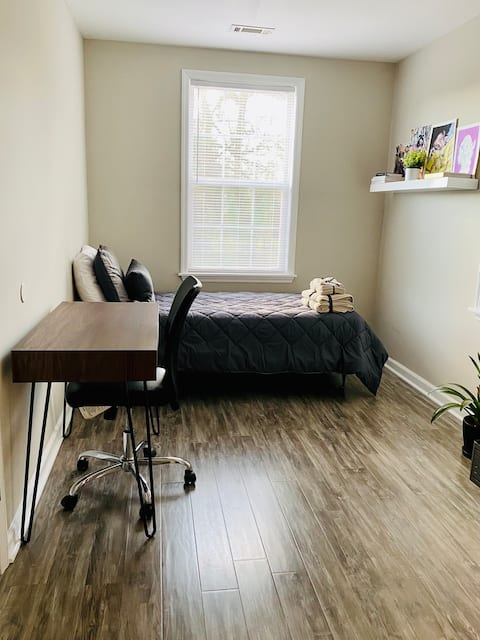 North Charleston Business Stay