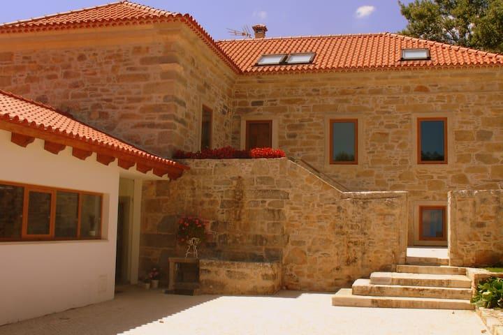 Quarto em casa de campo-30 km de Coimbra/Leiria