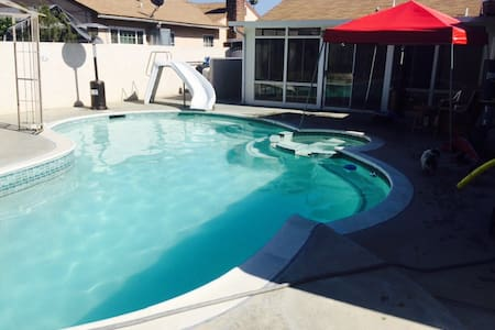 1bed/1 bath with pool/spa/billiards - Pomona - House