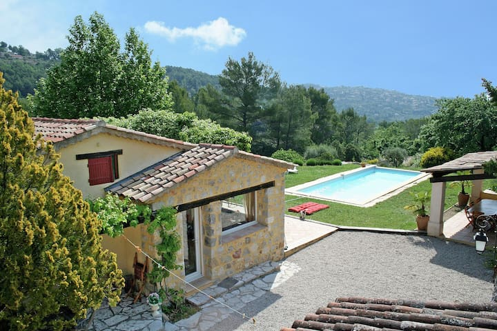 Cozy Villa in Fayence with Swimming Pool