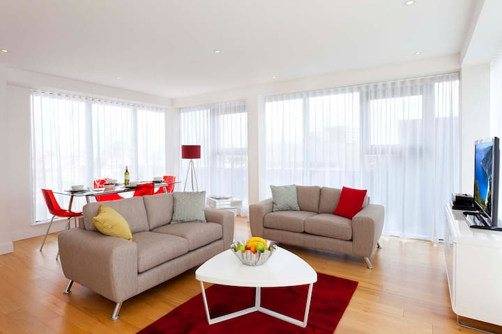 SACO Bristol Broad Quay-Two Bedroom Club Apartment