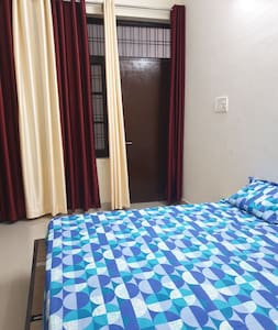 Comfortable accommodation near metro station