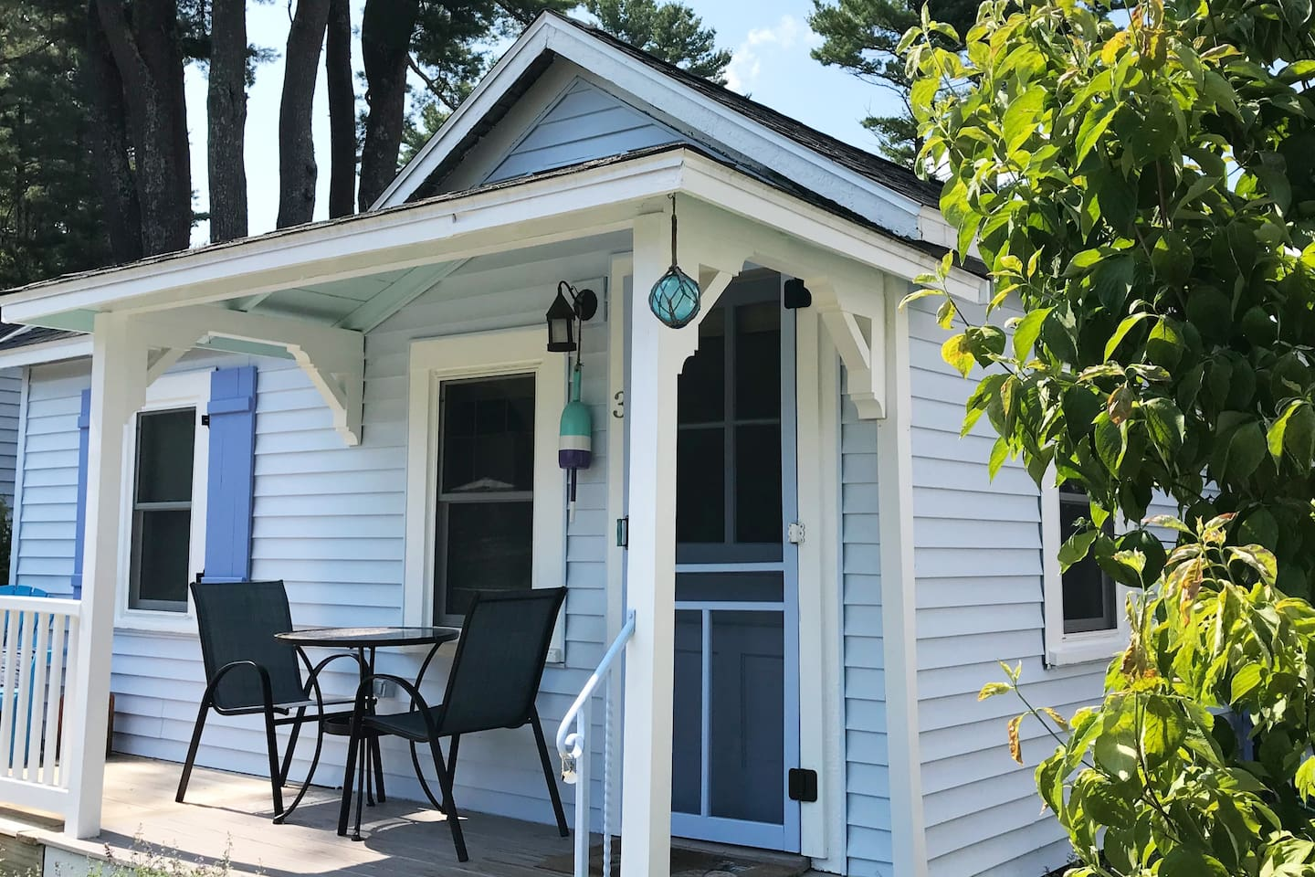 """""""The cottage was so cute, beautifully decorated, and in such a great location."""" - Guest review, June 2018"""