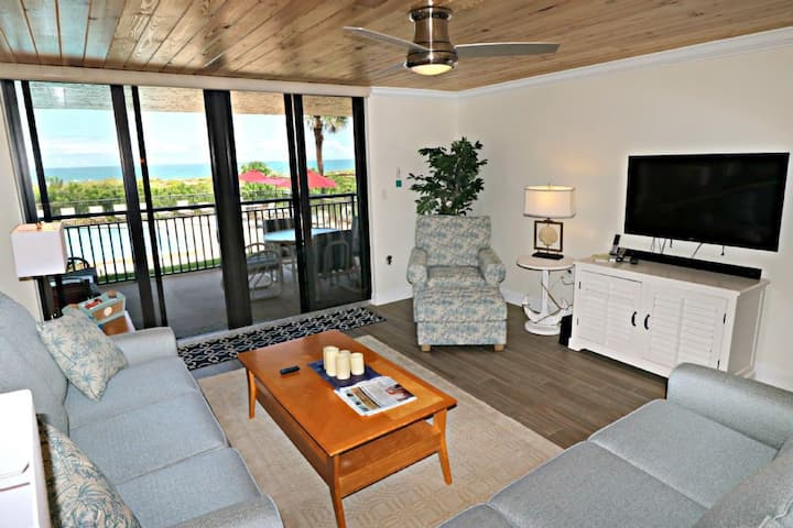 Gorgeous Updated Direct Oceanfront Condo Barefoot Trace 109