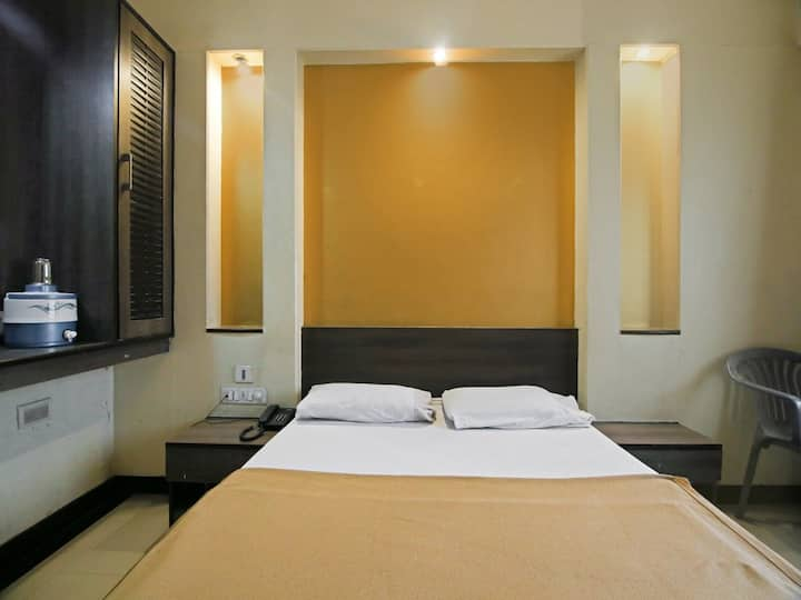 Budget hotel @ GandhiNagar, Majestic -  AC Room