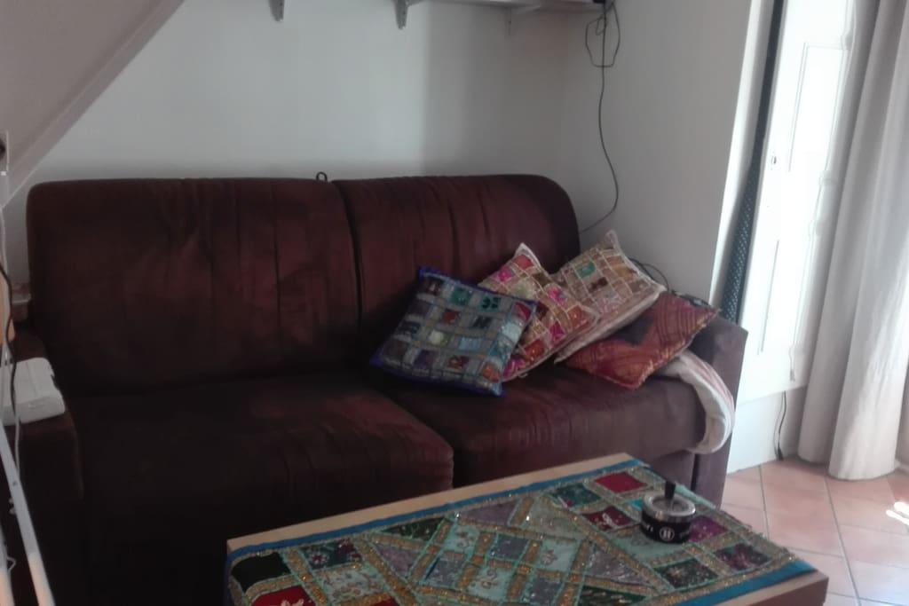 canapé-lit très confortable