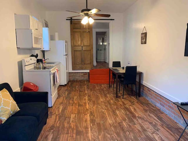 Apartment /Fondren