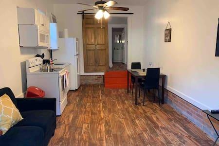 Apartment /Fondren
