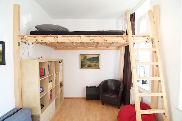 Zimmer mit Hochbett am Sportforum