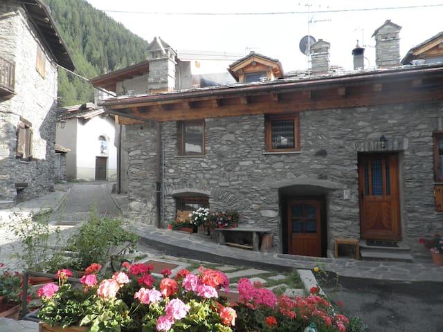 La Thuile Tipica e accogliente casa di montagna - La Thuile - Dom