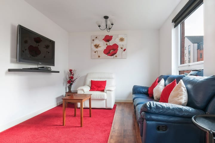 Cosy Apartment Sleeps 4, Free Parking