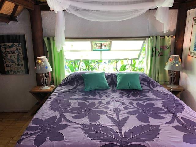 Chambre lit 160/200 moustiquaire