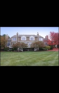 Golf course townhouse private room - Naperville - Αρχοντικό