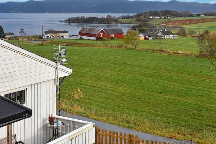 7 person holiday home in Lensvik