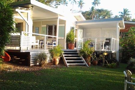 BAYSIDE BURE - beachy living at a peachy price!!
