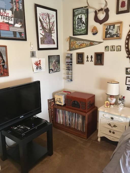 Entertainment system, blue ray player, Apple TV, record player