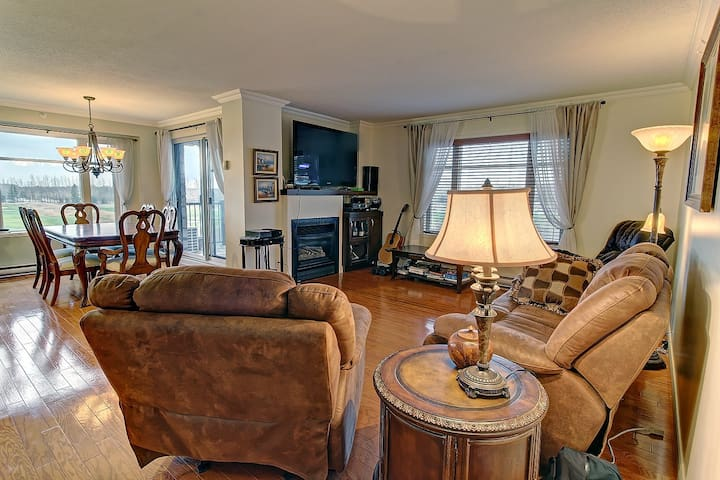 Golf course condo with amazing view - Ville de Québec - Kondominium