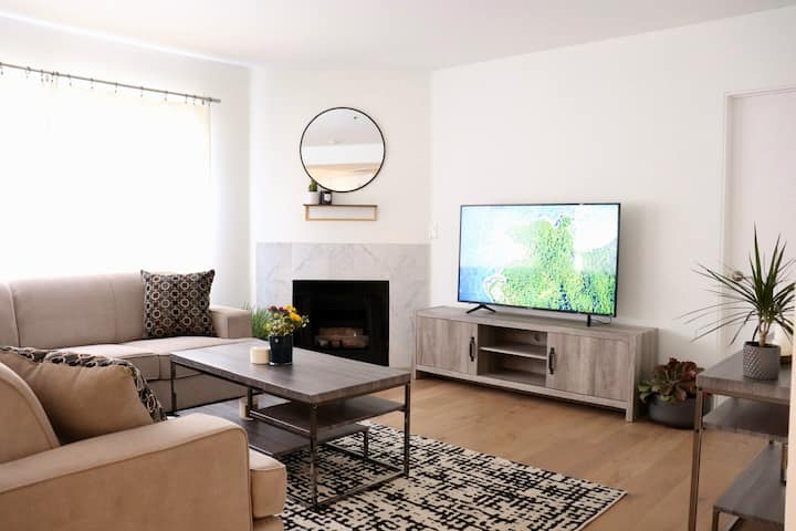 Discounted!!! WEST HOLLYWOOD 2 BEDROOM / 2 BATH