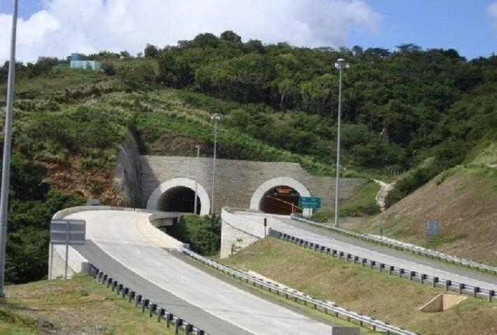 Túneles de maunabo a solo 1 minuto en auto.