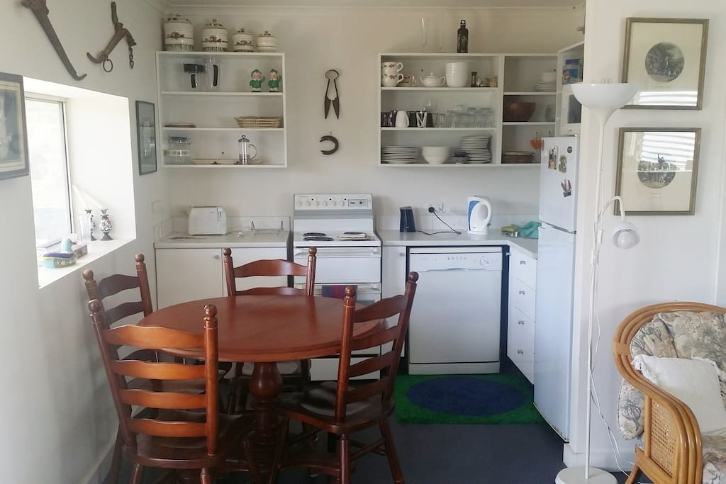 Blackwattle Ridge Shedhouse kitchen