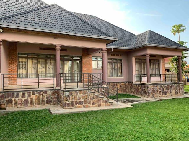 Rent 3 Bedroomed Full House in Kigali.
