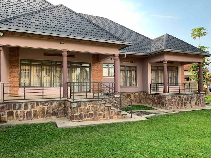 Rent 3 Bedroomed Full House in Kigali.